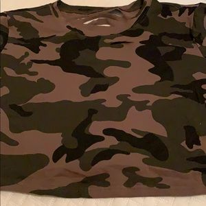Tops - Camo crop top!